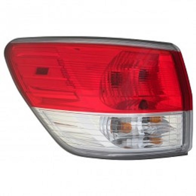Nissan Pathfinder 2013 2014 2015 2016 tail light left driver