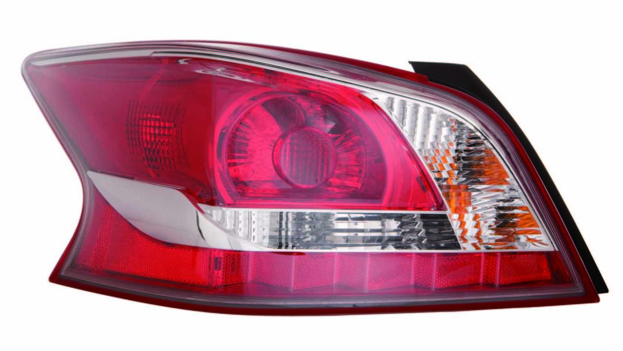 Nissan Altima sedan 2014 2015 tail light left driver