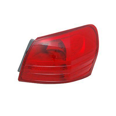 Nissan Rogue 2008 2009 2010 2011 2012 2013 2014 tail light outer right passenger