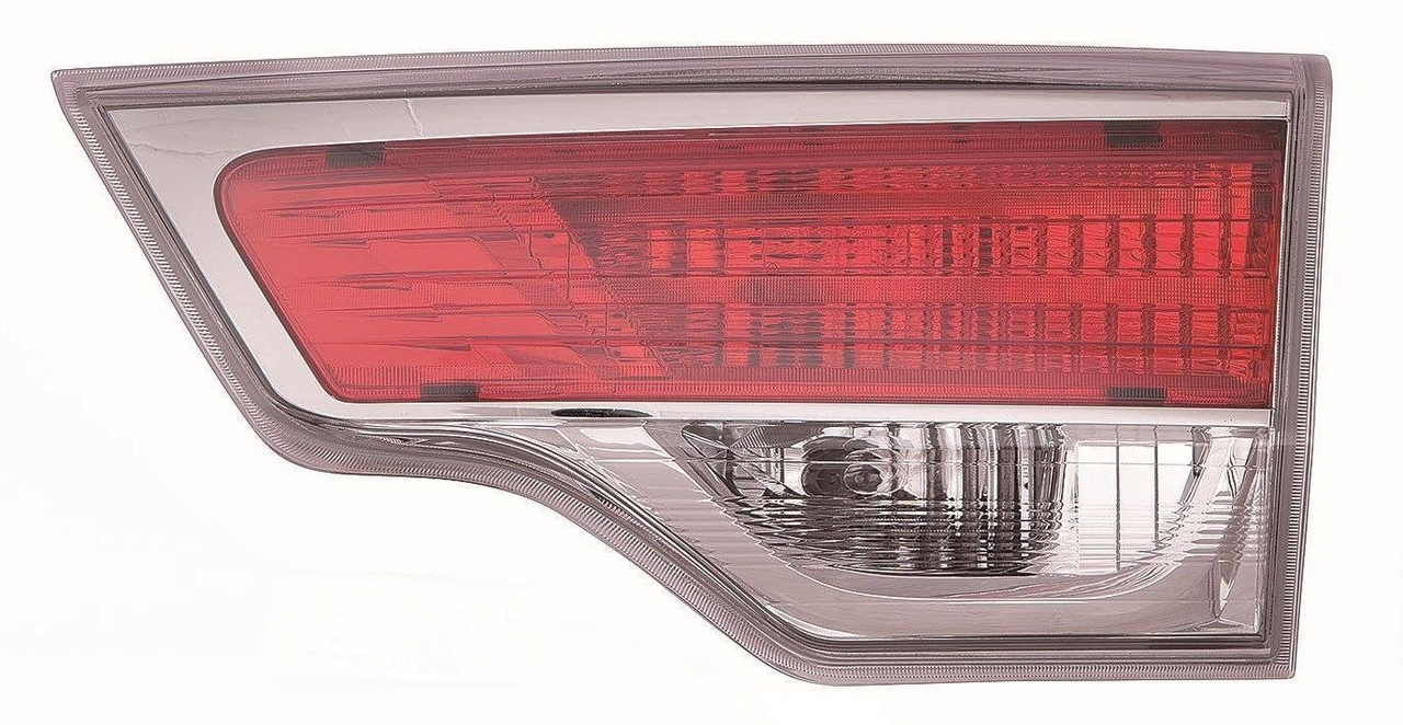 Toyota Highlander 2014 2015 2016 tail light inner right passenger
